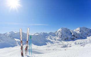 Offre spéciale Ski: Week-end avec forfait inclus près de Savoie Grand Revard