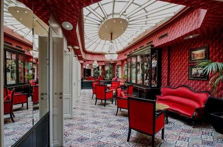 Week-end romantique avec champagne et accès spa sur la place du Capitole à Toulouse