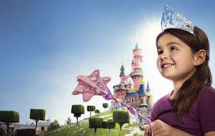 Vivez une aventure magique en famille aux 2 Parcs Disney®