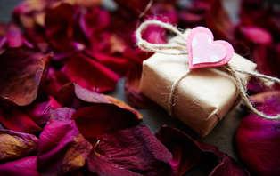 Celebra San Valentín en la región del Somontano con cava y detalle romántico