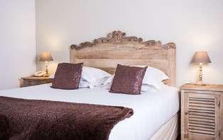 Week-end détente et romantique avec champagne dans une Villa de charme au coeur de la Provence