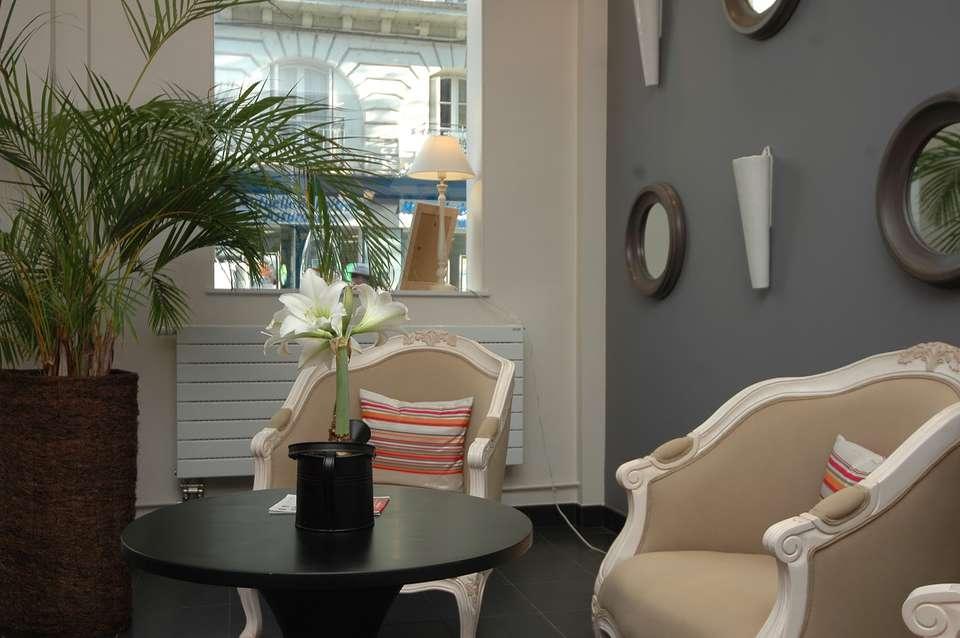 Qualys Hôtel le Londres - Salon_RdC.JPG