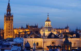 Descubre los secretos de Sevilla con cena y visita guiada