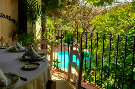 Escapada con cena: Descubre un rincón con encanto en Tarifa