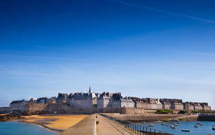 Offre spéciale été: Week-end de charme au bord de la mer à Saint-Malo (2 nuits min)