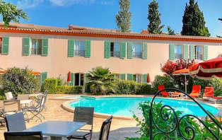 Week-end romantique avec spa privatisé et champagne dans le Gard