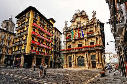 Escapada exclusiva: Descubre los encantos de Pamplona
