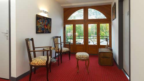 week end d tente bien tre tarascon sur ari ge avec 1 acc s au hammam pour 2 adultes partir. Black Bedroom Furniture Sets. Home Design Ideas