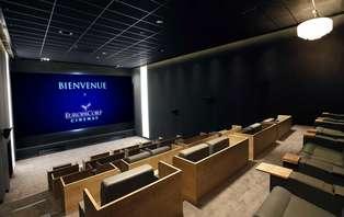 Offre exclusive: week-end détente avec accès à Europacorp CINÉMAS© en 1ère classe près de Paris!
