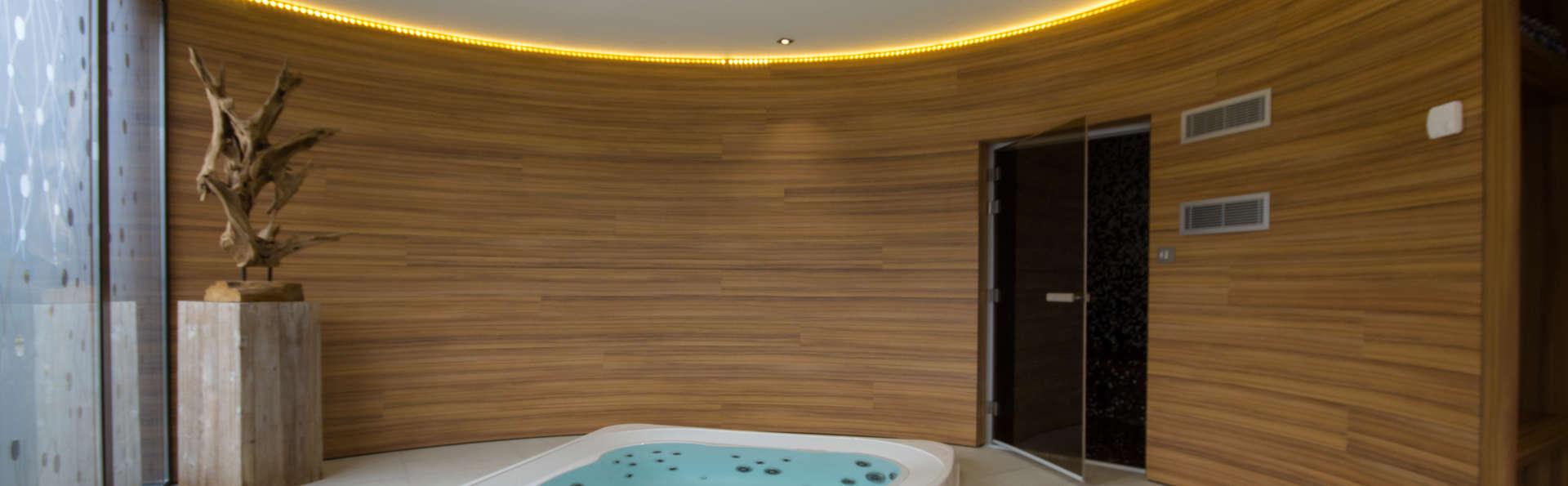 week end d tente bien tre pl rin 22 avec acc s au spa. Black Bedroom Furniture Sets. Home Design Ideas