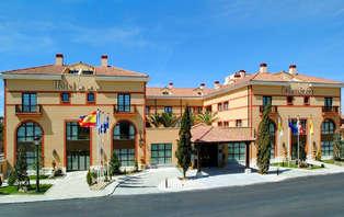 Especial Ciudades Monumentales: Escapada con Cena y toque romántico en Segovia (desde 2 noches)