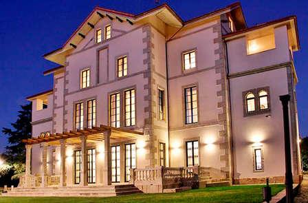 Cena en un palacio del siglo XIX (desde 2 noches)