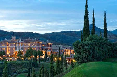 Vive el Gran Lujo: Relax con Spa en Málaga a un paso del Mar (desde 2 noches)