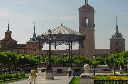 Escapada romántica con cena en Alcalá de Henares (desde 2 noches)