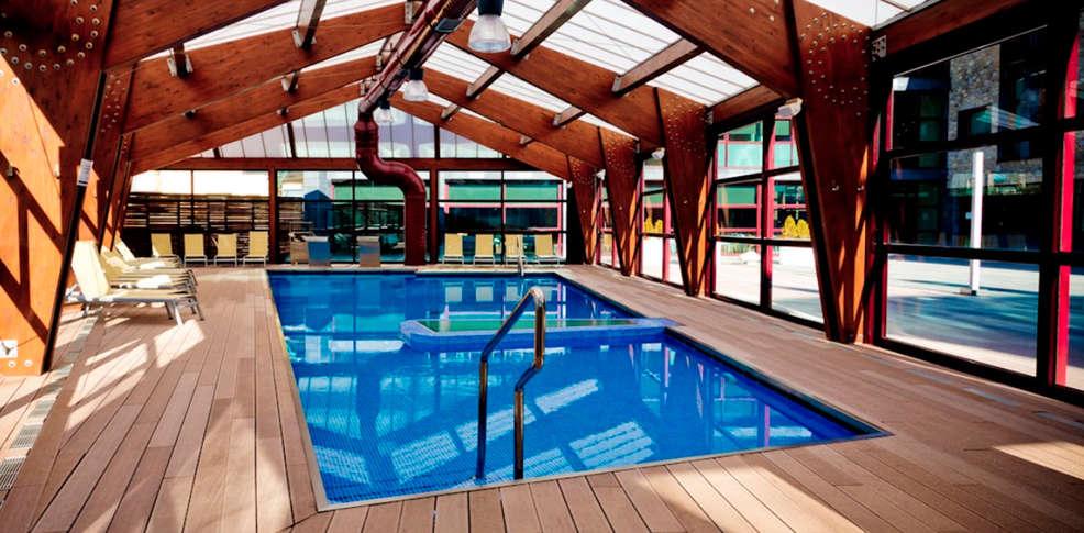 Hotel aneto hotel benasque for Booking benasque