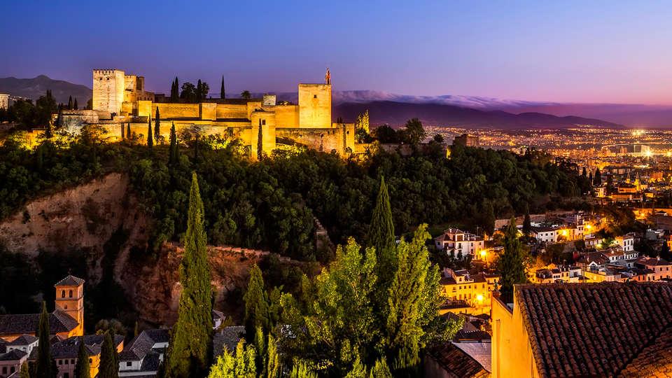Baño Arabe Granada San Miguel:Especial Weekendesk: Descubre las Mil y Una Granadas con Baños