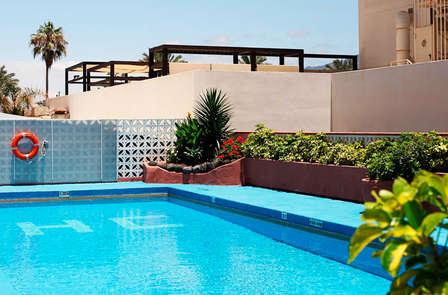 Escápate a Tenerife al lado de la playa en pensión completa