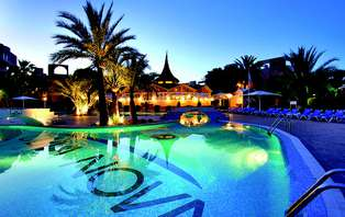 Escapada deluxe con pensión completa de lujo y spa en Oliva