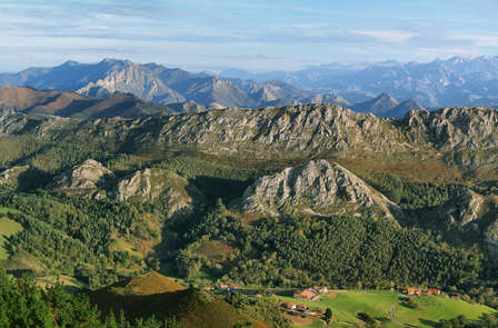 Escapada Económica: Descubre los Picos de Europa a tu aire (desde 2 noches)