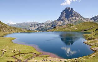 Escapada romántica con bañera de hidromasaje en el Pirineo Catalán