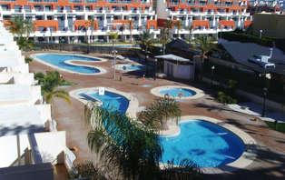Escapada a la Playa: Pensión completa en la costa de Almería (desde 2 noches)