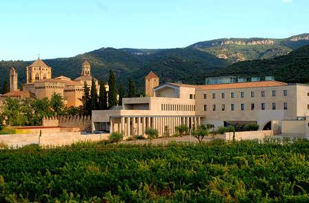 Escapada Cultural: Descubre el Poblet, visita la bodega Carles Andreu y el Museo del vidrio