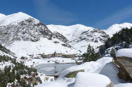 Escapada en Ribes de Freser con forfaits a la Vall de Núria