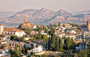 Escapada con cena y cava en el centro de Granada