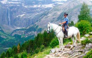 Descubre Ordesa: Escapada con  paseo a caballo
