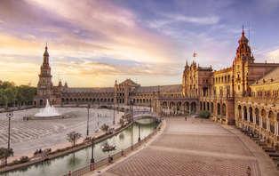 Escapada con cena romántica y visita cultural en Sevilla