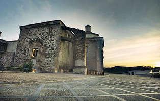 Escapada Romántica con cena degustación en un convento del siglo XVI