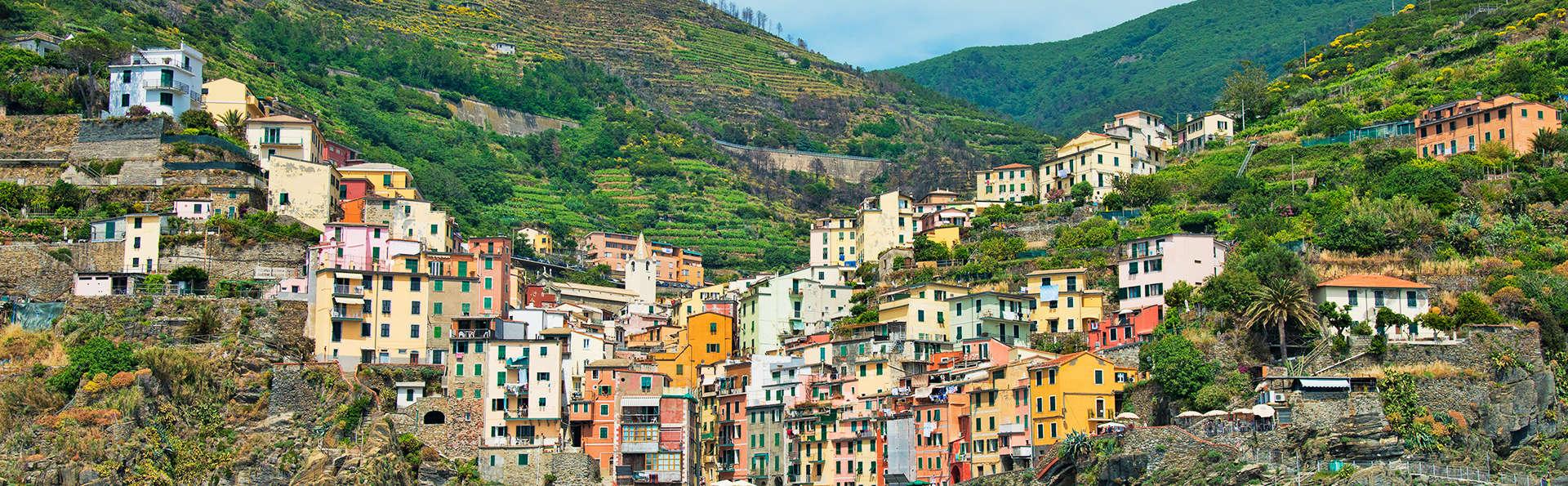 Loano 2 Village - edit_1_riomaggiore_2012.jpg