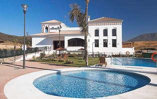 Exclusivo Weekendesk: Relax en Estepona en apartamentos de resort (desde 2 noches)
