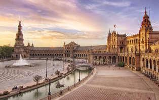 Escapada con encanto: Vive la magia de Sevilla