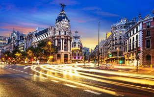 Descubre Madrid: Escapada con entradas al bus turístico en el centro de la ciudad