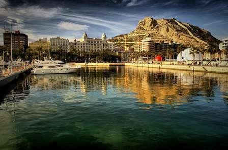 MiniVacaciones en Alicante en media pensión y masaje incluido