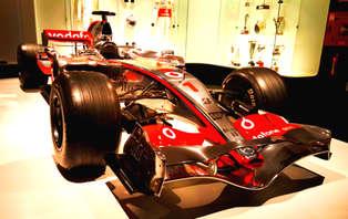 Escapada con entradas al Museo-Circuito de Fernando Alonso en Oviedo