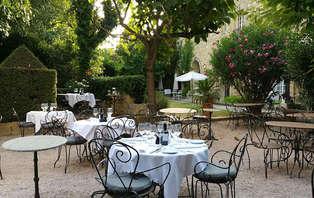 Escapada romántica con cena en un castillo cerca de Nimes