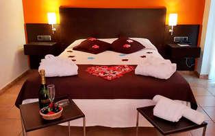 Escapada romántica con masaje en pareja y acceso a jacuzzi diurno en Platja d'Aro