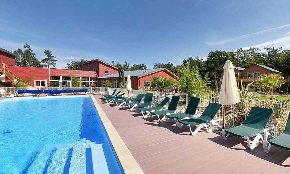 Le Relais du Plessis - spa_resort_piscine_plessis_1.jpg