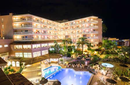 Oferta exclusiva: Escapada veraniega con cena y acceso al spa en Lloret de Mar