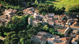 Week-end d'exception en suite privilège au Chateau de la Redorte au bord du Canal du Midi
