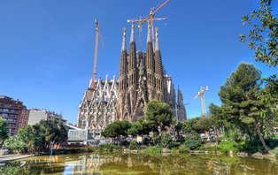 Especial Mini Vacaciones: Lujo en Peralada con entradas a la Sagrada Familia (desde 3 noches)