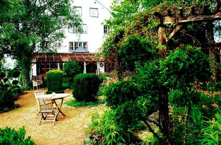 Accès privé au sauna et jacuzzi pour un week-end romantique près de Bouillon