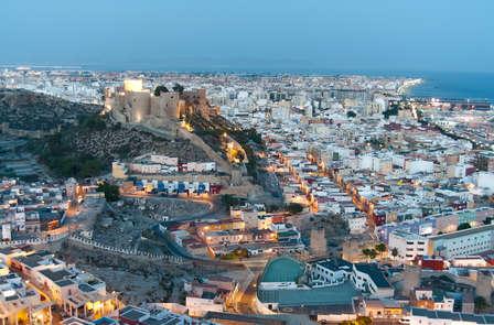 Especial parejas: Escapada con refresco de bienvenida en Almería y cama matrimonial