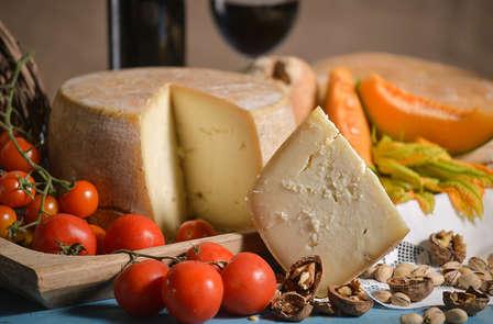 """Weekend di lusso in un antico castello toscano con degustazione """"Gran Tagliere"""""""