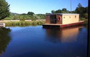 Week-end détente dans une barque avec accès SPA au coeur d'un parc naturel en Corrèze