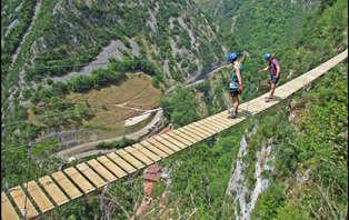 Oferta multiaventura con Vía Ferrata y Tirolina en plena Naturaleza (desde 2 noches)