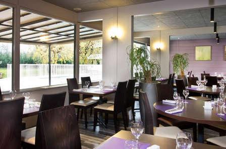 Escapade en amoureux avec dîner, en chambre supérieure, à côté du lac du Bourget, à Chambéry