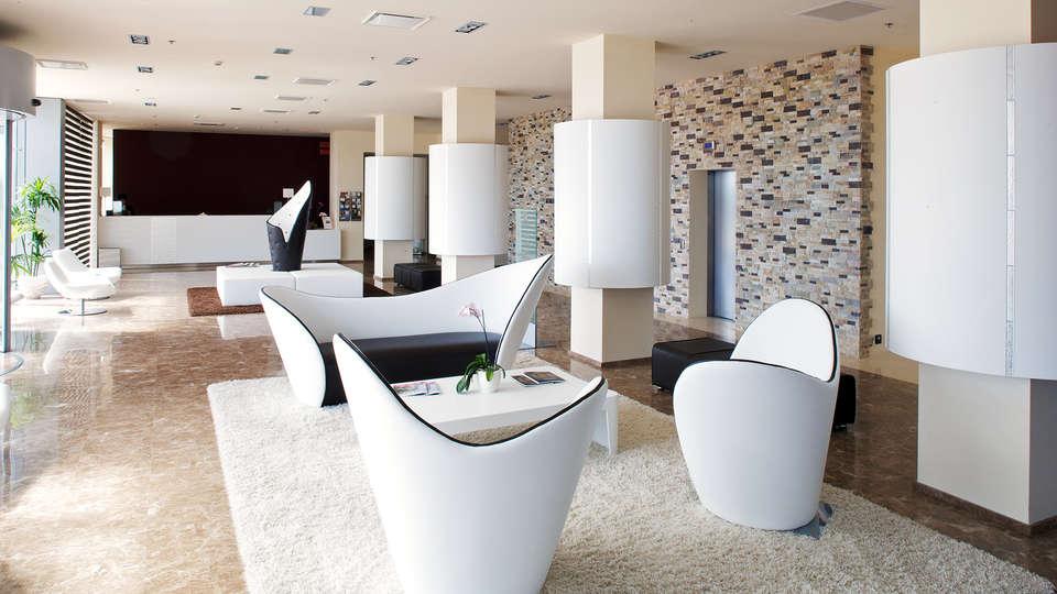 Grand Hotel Mattei - EDIT_HALL-1.jpg